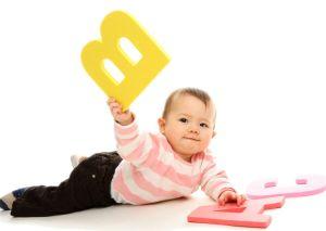Bebês que vêem DVDs não falam mais palavras que os outros